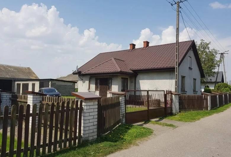 powiat płocki, woj. mazowieckie Do kupienia jest gospodarstwo rolne, w skład którego wchodzi: wolnostojący dom, dwa budynki gospodarcze i garaże, na