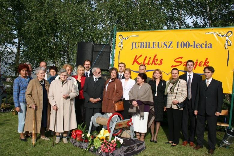 100-lecie firmy Kliks-Szajek w 2005 r. Na zdjęciu 3. od lewej Pelagia Kliks, za nią Aniela Szajek