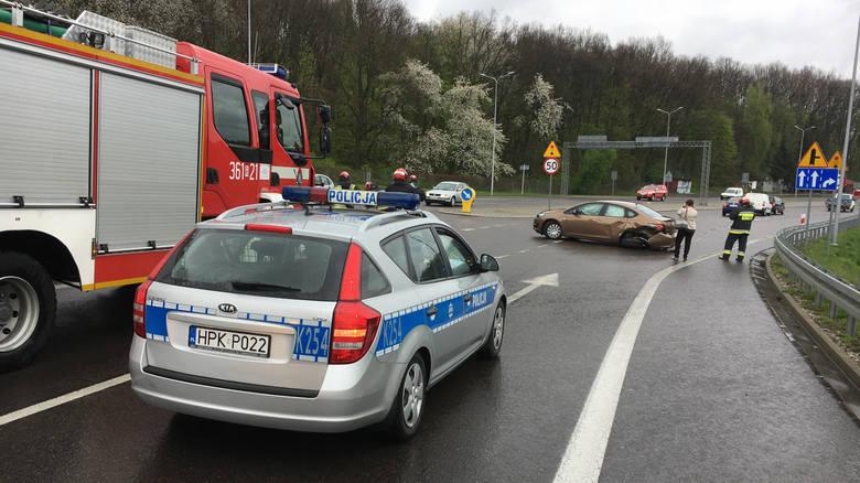 Do wypadku doszło we wtorek po godz. 12 na al. Wolności w Przemyślu.- Kierujący oplem, 28-letni mieszkaniec Przemyśla wyjeżdżając z ul. Krakowskiej,