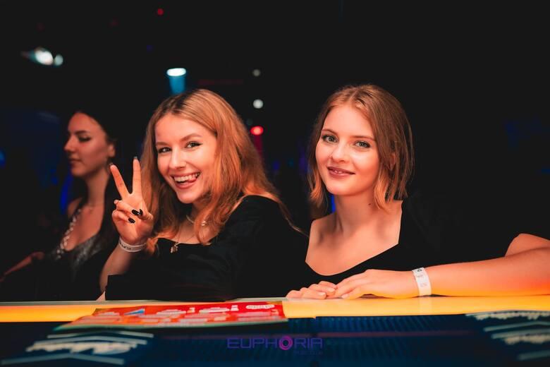 DJ Hazel i zdjęcia do nowych odcinków WARSAW SHORE w klubie Euphoria