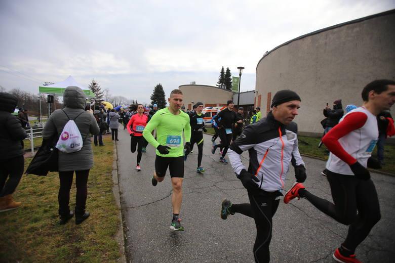 Organizatorzy poinformowali, że była to rekordowa edycja biegu. Wzięło w niej udział 718 biegaczy i 104 zawodników nordic walking.