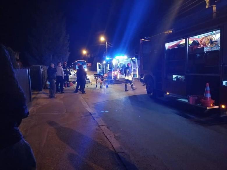 Strażacy z OSP Łapy zostali wysłani do groźnie wyglądającego wypadku na ul. Płonkowskiej w Łapach.