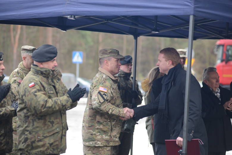 Powitanie żołnierzy w Żaganiu.
