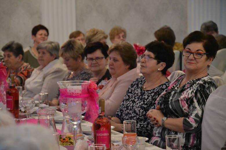 Gospodynie z Koła Gospodyń Wiejskich nr 1 w Jankowicach Rybnickich świętowały spóźniony Dzień Kobiet