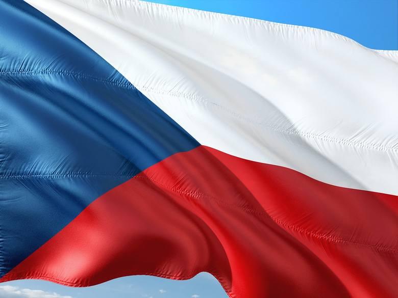 CZESKIKiedy opanujemy już język słowacki, warto wziąć się za czeszczyznę. Ze znajomością słowackiego, nauka czeskiego na pewno przyjdzie nam łatwiej