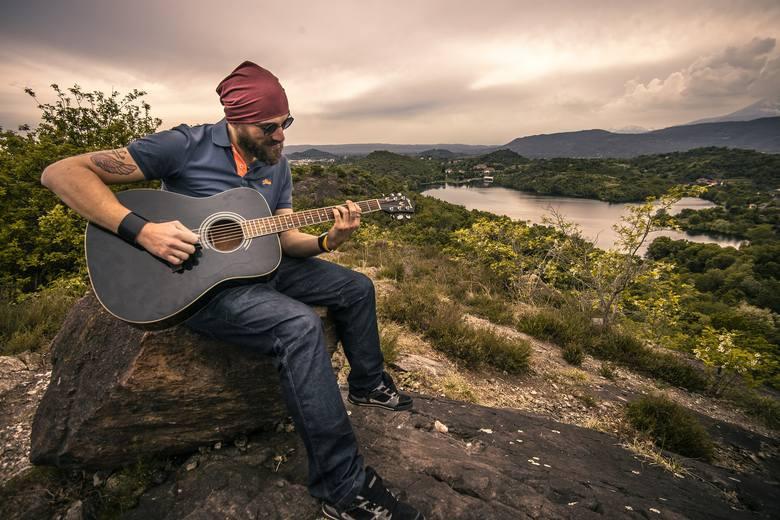 Muzyka to zdrowie! Sprawdź, dlaczego muzyka relaksacyjna działa, jakie utwory ułatwiają trening, a które melodie chronią serce?