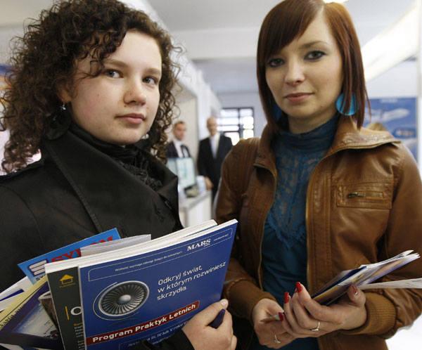 - Jesteśmy studentkami drugiego roku, ale już sprawdzamy, jakie mamy szanse na ewentualne zatrudnienie po naszym kierunku. Niestety, nie wygląda to najlepiej.