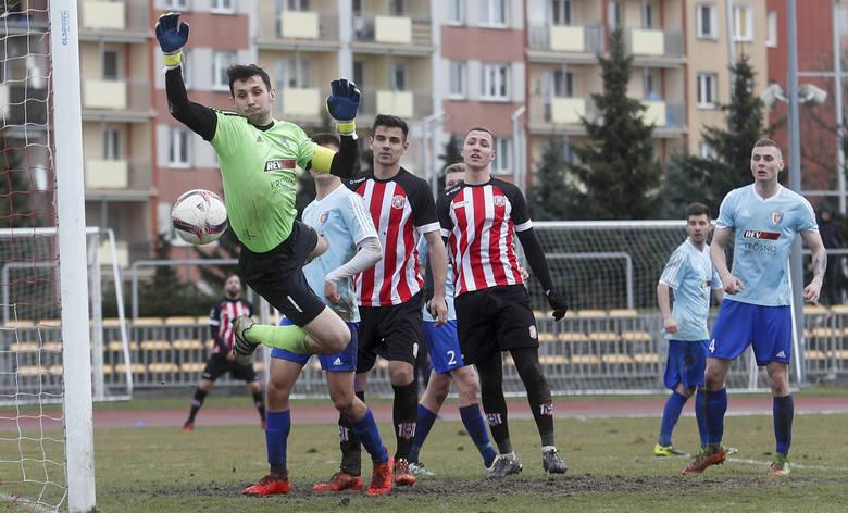 W kilku sytuacjach, szczególnie w II połowie, popisał się fenomenalnymi interwencjami w meczu z Polonią PrzemyślZOBACZ TAKŻE - Dariusz Jęczkowski, trener