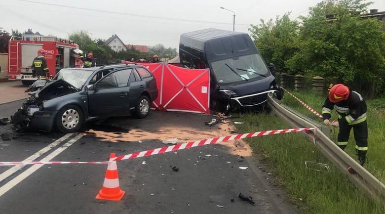 Wieluńscy policjanci pod nadzorem prokuratury wyjaśniają okoliczności tragicznego w skutkach wypadku drogowego w miejscowości Ruda, w którym zginął 61