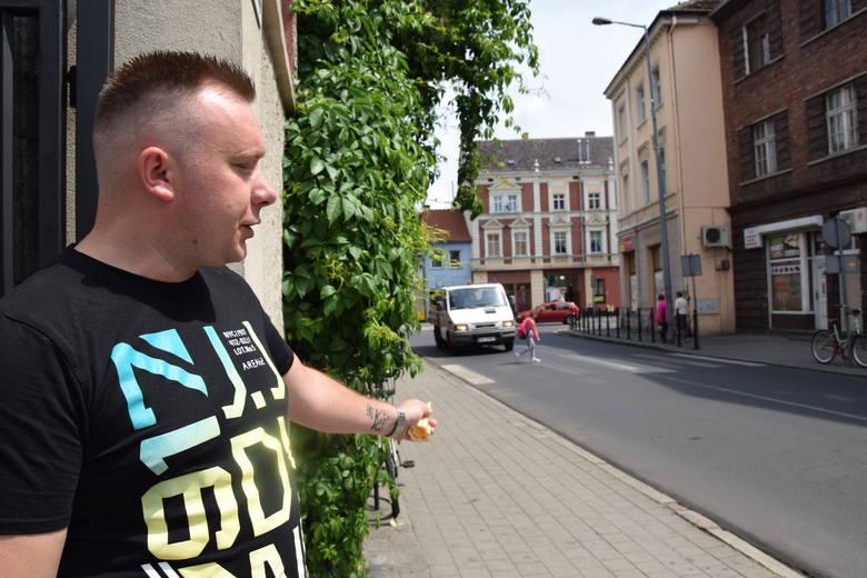 Grzegorz Mielniczuk, świadek wypadku, mówi, że na tym przejściu musiało dojść do tragedii