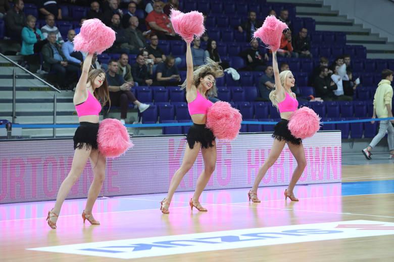 Pierwszy mecz we własnej hali mają za sobą koszykarze Kinga Szczecin. Wilki Morskie pokonały Start Lublin.Kibice w hali Netto Arena mogli zaś podziwiać