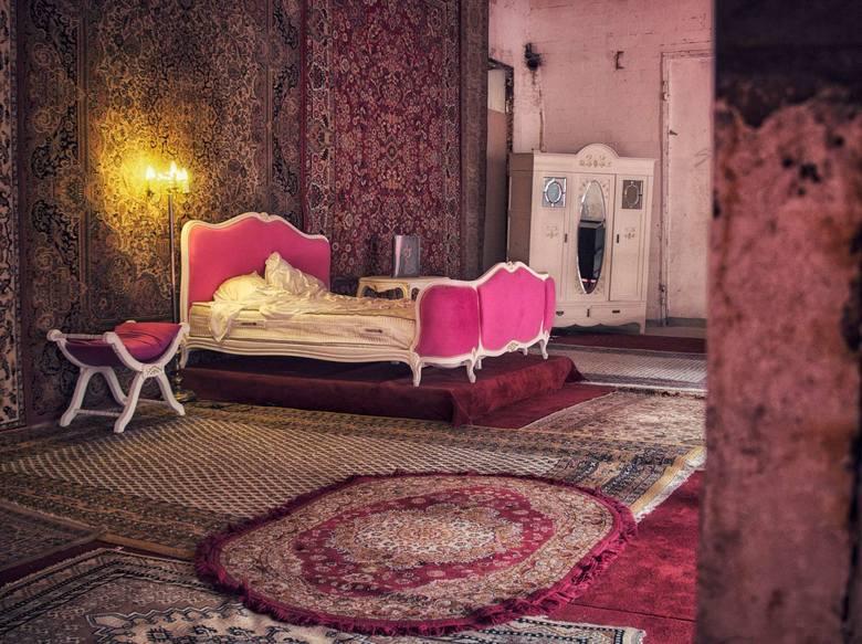 Opuszczona Stara Rzeźnia to jedno z najbardziej fascynujących miejsc w Poznaniu. Od 2017 r. zdecydowano się uczynić ją sceną teatralną dla spektaklu