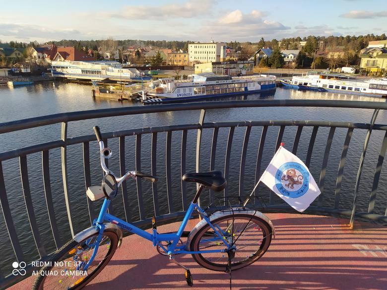 Paweł Tomczyk z Gubina wpadł na pomysł, aby lepiej spożytkować pauzę w pracy podczas tras zagranicznych i... zaczął jeździć rowerem. Najpierw klasycznym,