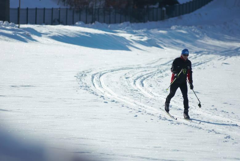 To był wymarzony weekend dla narciarzy biegowych w podkrośnieńskich Czarnorzekach. Amatorzy biegania na deskach cieszyli się nie tylko z doskonale przygotowanych