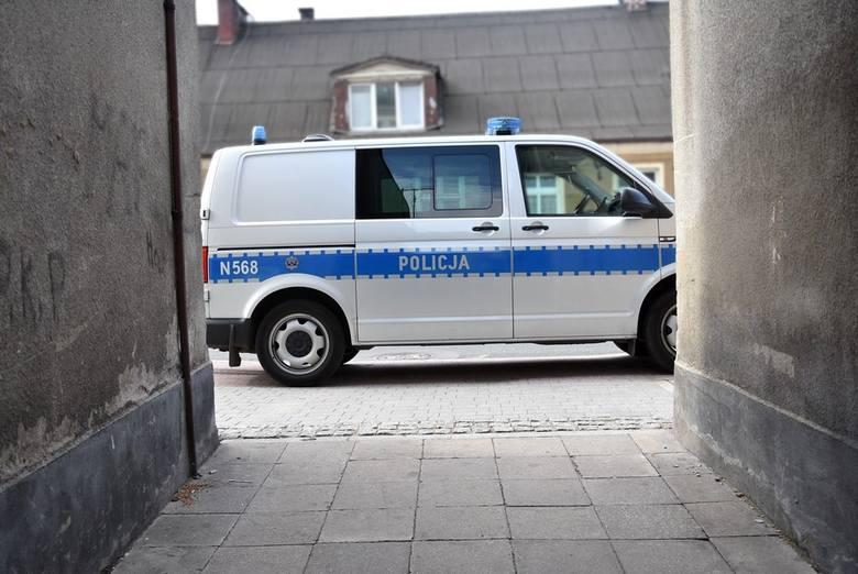Morderstwo w Starogardzie Gdańskim. Przy ul. Kościuszki znaleziono zwłoki 26-latka Zarzuty dla dwóch mężczyzn! [zdjęcia, wideo]