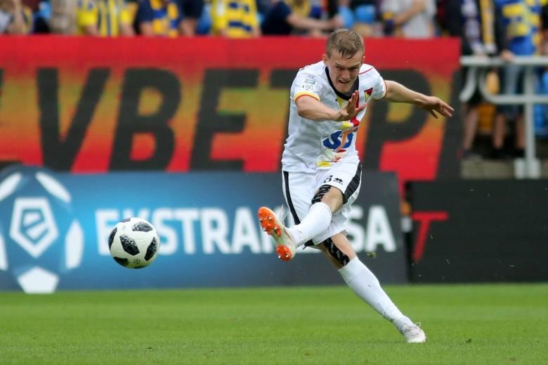 Arka Gdynia - Jagiellonia 0:2Pierwsza w sezonie ligowym wygraną Jagiellonia odniosła na wyjeździe pokonując 2:0 Arkę Gdynia. Dwa gole zdobył Karol Swiderski.
