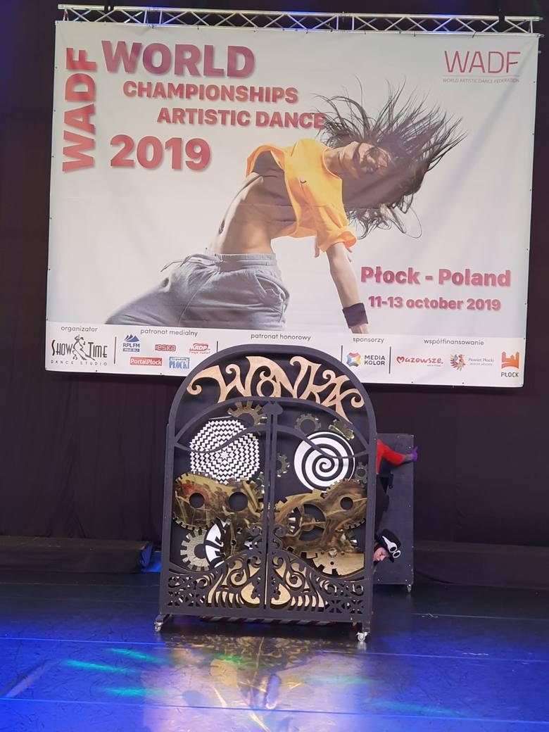Formacje taneczne Atom mini oraz Atomizer z Atom Dance Studiom wróciły z Płocka z mistrzowskimi tytułami
