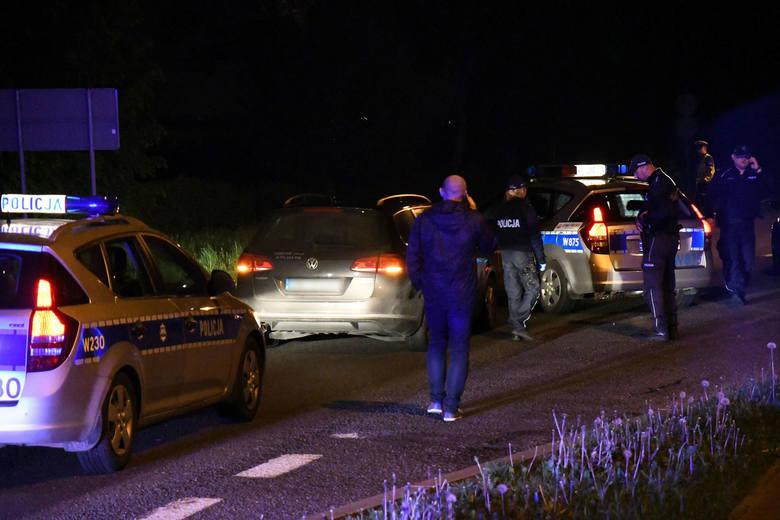 To był jeden z najdłuższych pościgów samochodowych w naszym regionie. Zaczął się w Człuchowie, zakończył na kolczatce drogowej tuż przed Koszalinem.CZYTAJ