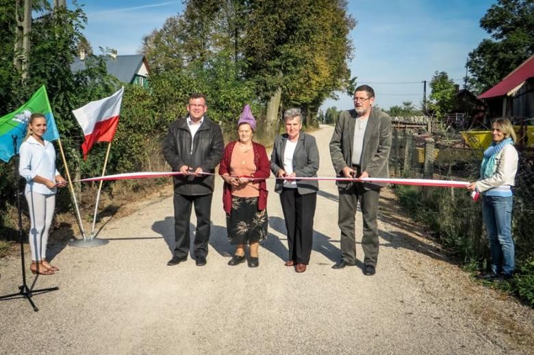 Barszczewo, gm. Michałowo: Droga do wsi wyremontowana (zdjęcia)