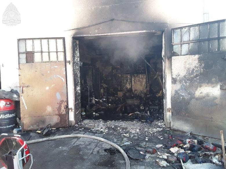 W poniedziałek (27 kwietnia) przed godz. 9 na Bałutach wybuchł pożar. W ogniu stanął warsztat firmy blacharsko-lakierniczej znajdujący się przy ul. Polnej