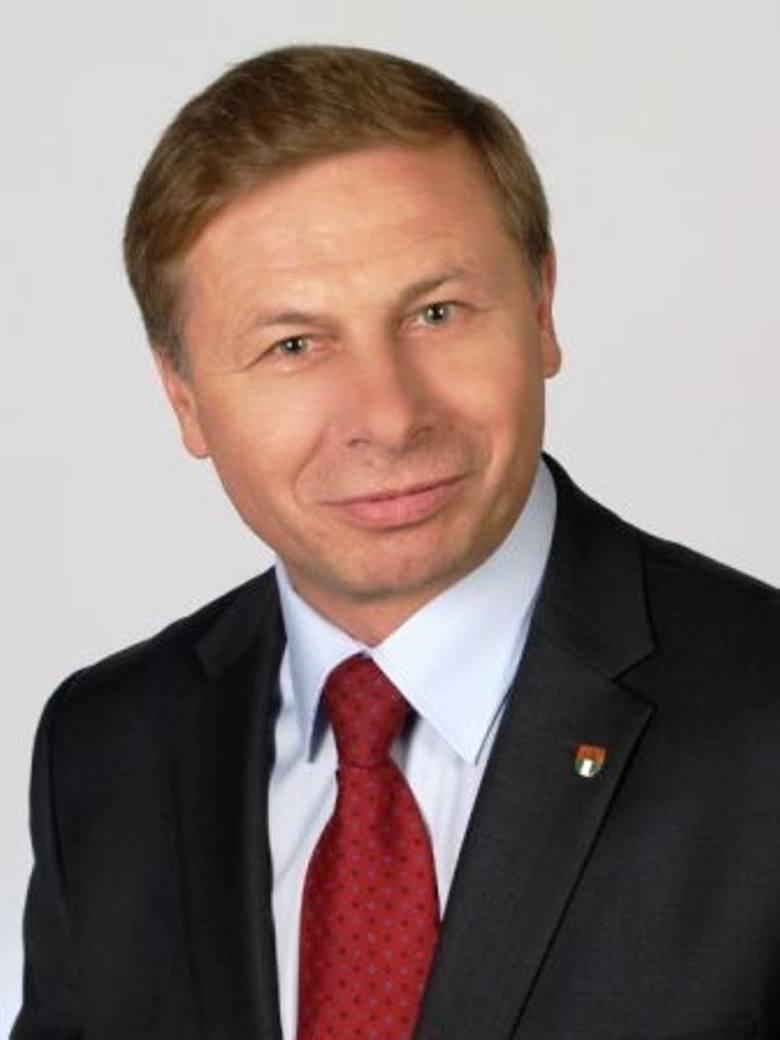 """Plebiscyt """"Oceń władze"""": Burmistrzowie i wójtowie pod lupą. Jak rządzili ci z gmin powiatu poznańskiego?"""