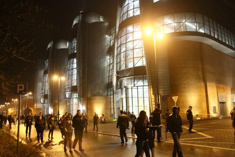 Co będzie się dziać w najciekawszych architektonicznie budynku Nowego Centrum Łodzi? Śledząc wszystkie wydarzenia wokół niedoszłego studia Davida Lyncha
