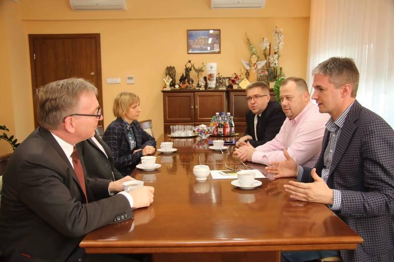 Komisja Europejska bez zastrzeżeń wobec samorządu województwa świętokrzyskiego w sprawie wykorzystywania funduszy unijnych