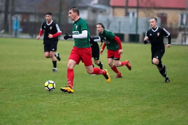 Piłkarzy z Łomży czeka mecz na szczycie z Turem Bielsk Podlaski