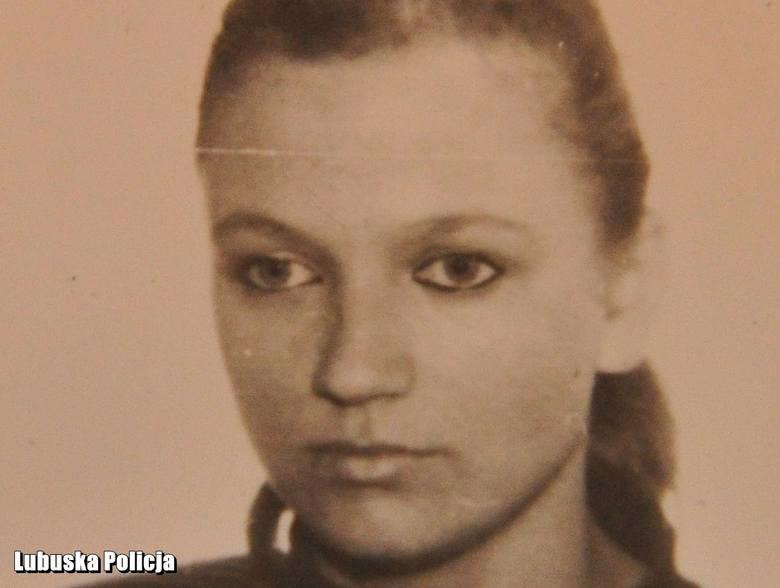 18-letnia Joanna zniknęła w czasie powrotu do domu. Przez rok nie było wiadomo co się z nią działo. W 1992 r. jej zwłoki znaleźli grzybiarze. Czy po