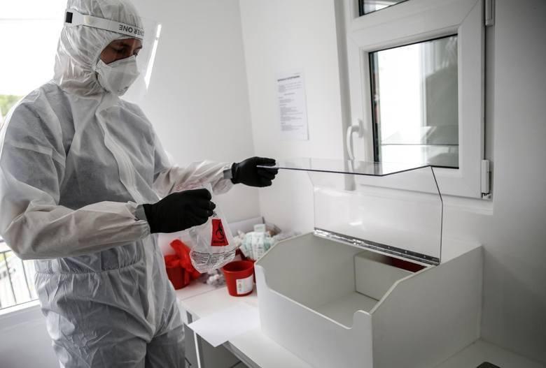 Od początku pandemii w Polsce zakaziło się koronawirusem 46.346 osób. Zmarło 1.721 osób.
