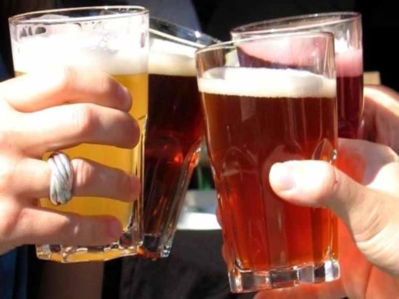 Alkohol: co za mało - to niezdrowo?