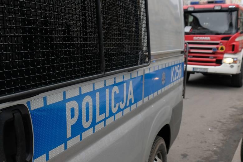 Groźny wypadek na autostradzie A4 w Jaźwinach. Jeden z samochodów dachował po zderzeniu