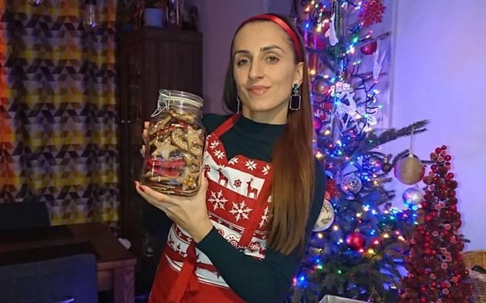 Jak wiadomo, Święta Bożego Narodzenia to w każdym domu również uczta kulinarna (na zdj. Iwona Nieroda-Zdziebko pochłonięta świątecznymi przygotowaniami).