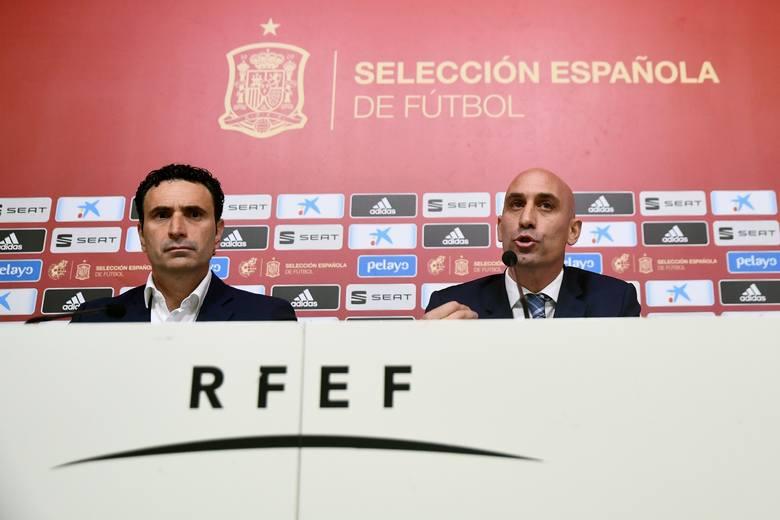 Luis Rubiales (z prawej) zaoferował klubom w Hiszpanii potężną pomoc finansową.