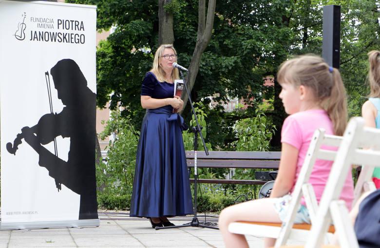 W grudziądzkim Parku im. Piotra Janowskiego wystąpili: Joanna Maklakiewicz - fortepian - żona, Marek Bugajski – altówka - przyjaciel, Pamela Howland