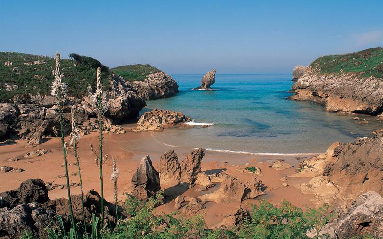 Playa Buelna - i w tej asturyjskiej plaży można się zakochać