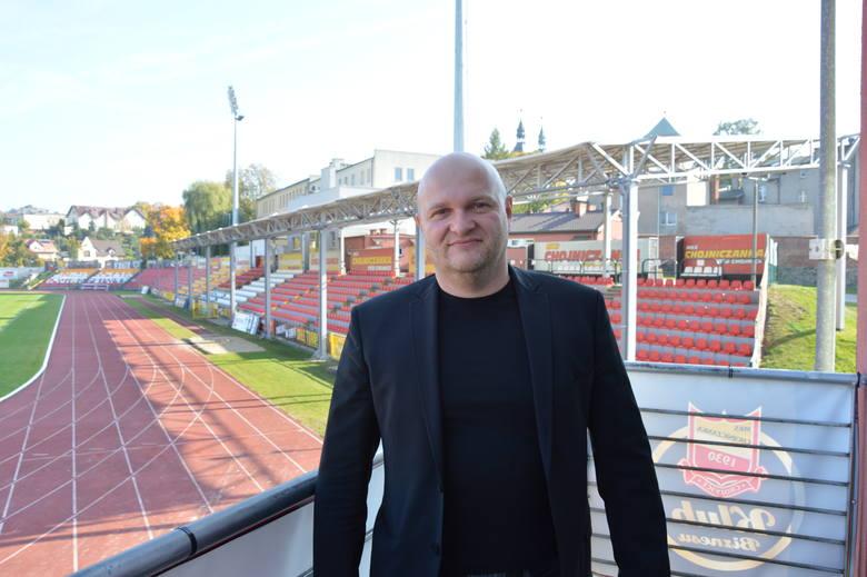 Od środy Chojniczanka ma nowego trenera. To - dobrze znany kibicom I-ligowego klubu z Mickiewicza - Maciej Bartoszek. Szkoleniowiec zastąpił Przemysława