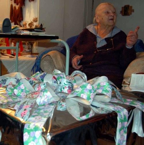 Telewizor 101-letniej mieszkance Szczecinka pozwoli ciekawie spędzić wolny czas.