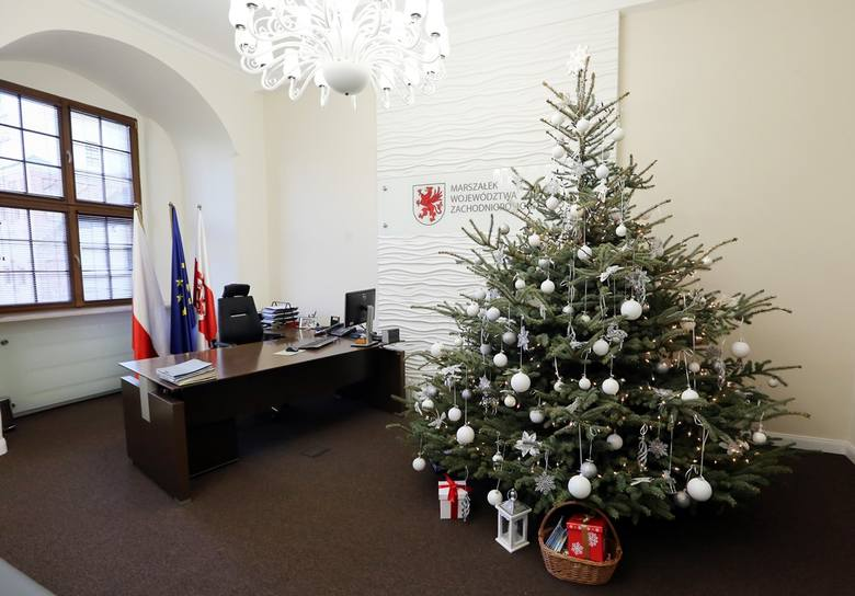 Z wizytą w nowym biurze marszałka województwa