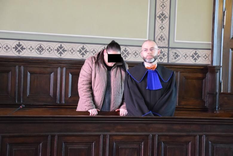 Karina G. w poniedziałek usłyszała wyrok: 3 miesiące bezwzględnego pozbawienia wolności, rok ograniczenia wolności, polegającej na obowiązku wykonywania
