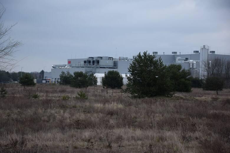 W pobliżu wybudowało się i rozbudowuje wiele innych firm.