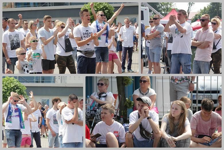 W południe kibice Anwilu Włocławek zajęli strefę kibica przy Hali Mistrzów, gdzie trwał piąty mecz o złoty medal EBL. Zobacz, jak kibice dopingowali
