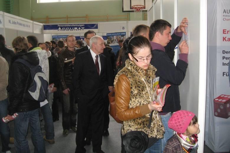 Tegoroczne targi odwiedziły tysiące bezrobotnych, którzy do Nysy przyjechali także z sąsiednich powiatów - np. z brzeskiego, gdzie stopa bezrobocia sięgnęła