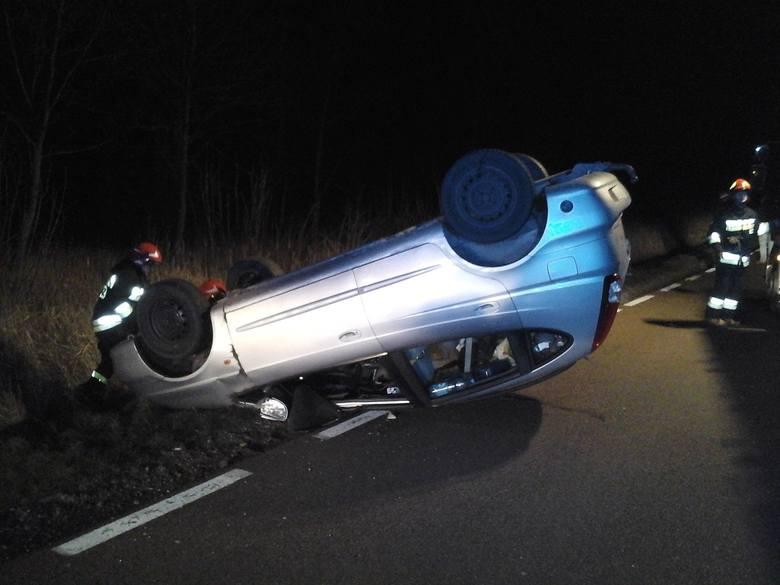 W piątek, 29 listopada, po godz. 19.20, do Stanowiska Kierowania Komendanta Powiatowego PSP w Bielsku Podlaskim wpłynęło zgłoszenie o wypadku. Na drodze