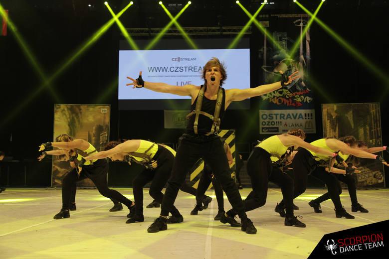 """Opolska szkoła tańca nowoczesnego Scorpion wystąpi w sobotnim półfinale """"Mam talent"""". Wasze głosy, wyrażone sms'ami pomogą jej przejść"""