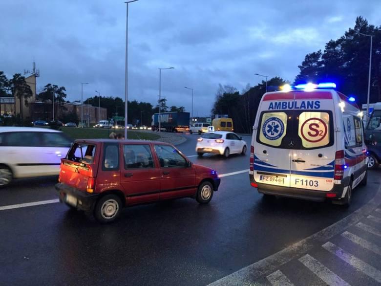 Do zderzenia samochodu ciężarowego i tico doszło w czwartek, 10 stycznia, na rondzie Rady Europy. Na miejscu tworzą się gigantyczne korki.WIDEO: Dramatyczny