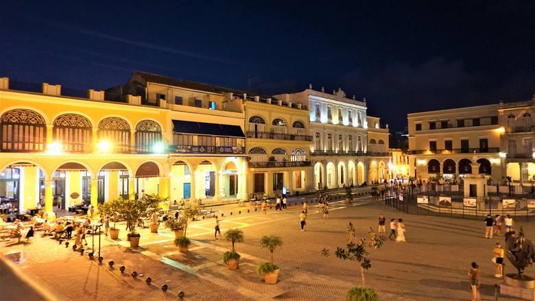 Plaza Vieja, najstarszy i najbardziej okazały plac w Hawanie