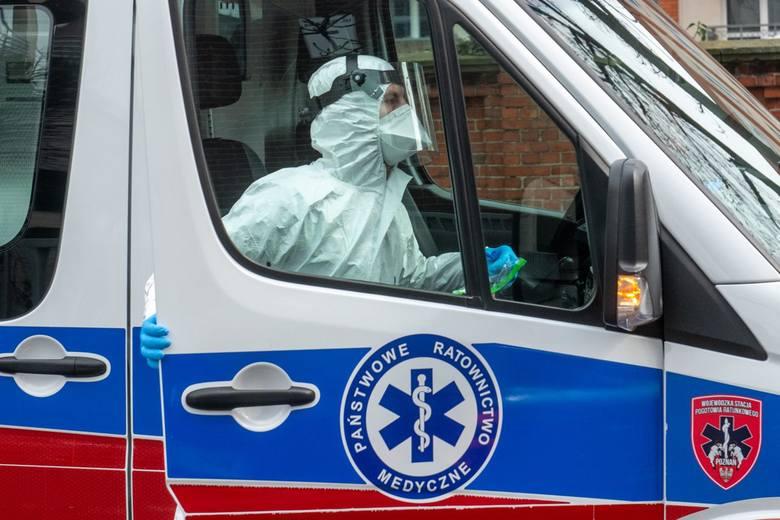 W piątek, 1 maja ministerstwo poinformowało o 228 zakażonych. Liczba osób zainfekowanych Covid-19 przekroczyła w Polsce 13 tys.