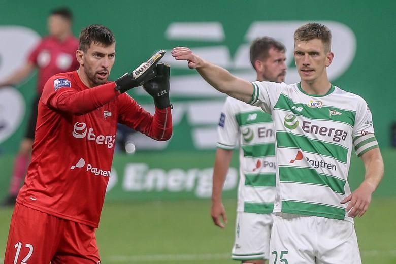 Od dawna kolorytu Ekstraklasie dodają obcokrajowcy: piłkarze z Bałkanów, Latynosi, Afrykańczycy, Słowacy... Niektórzy potrafią się zadomowić w naszym