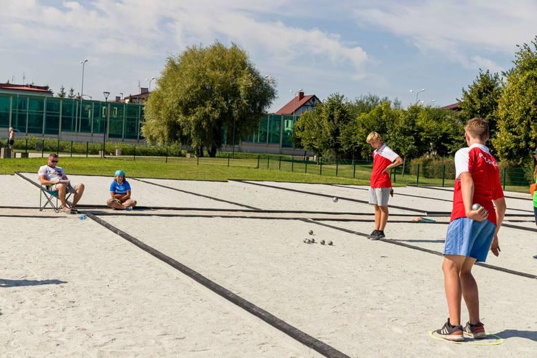 Na bulodromie w parku miejskim przy ul. Fredry w Białymstoku w sobotę rozegrany został finałowy turniej z cyklu Grand Prix Polski Juniorów w Petanque.